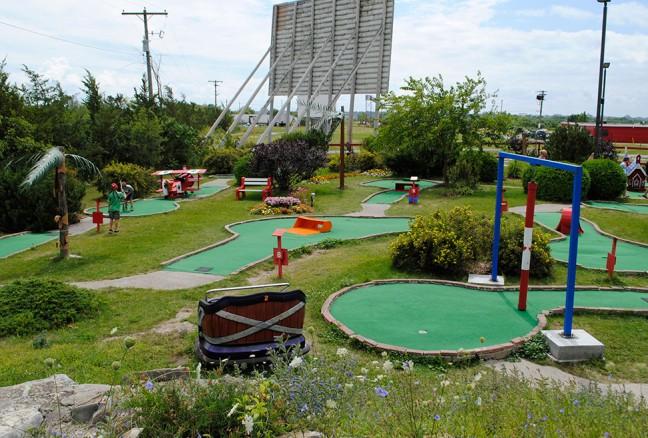 The mini-putt course