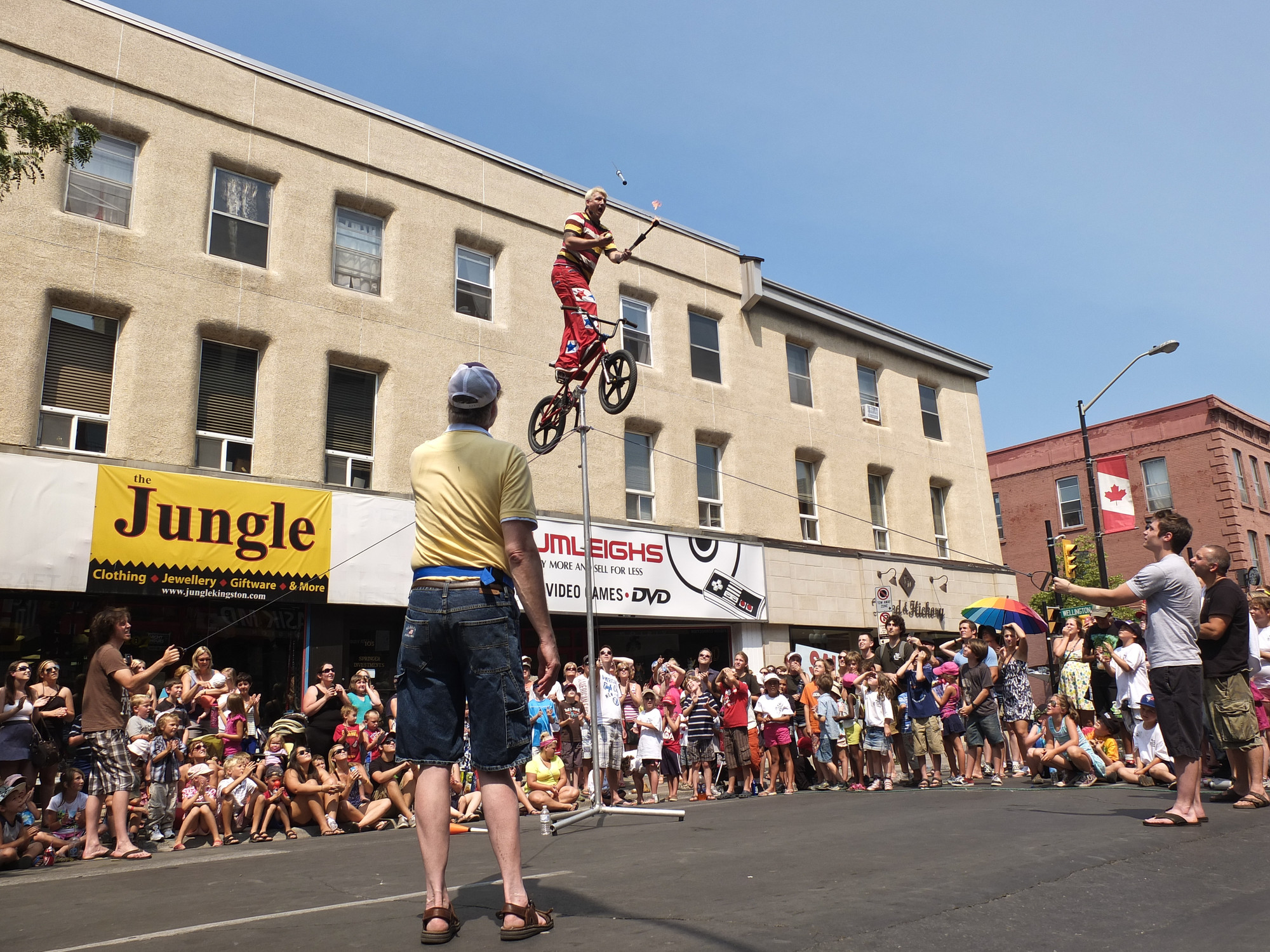 Jugglers, acrobats and flame swallowers will take over downtown Kingston between July 6th and 9th for the annual Buskers Rendezvous.